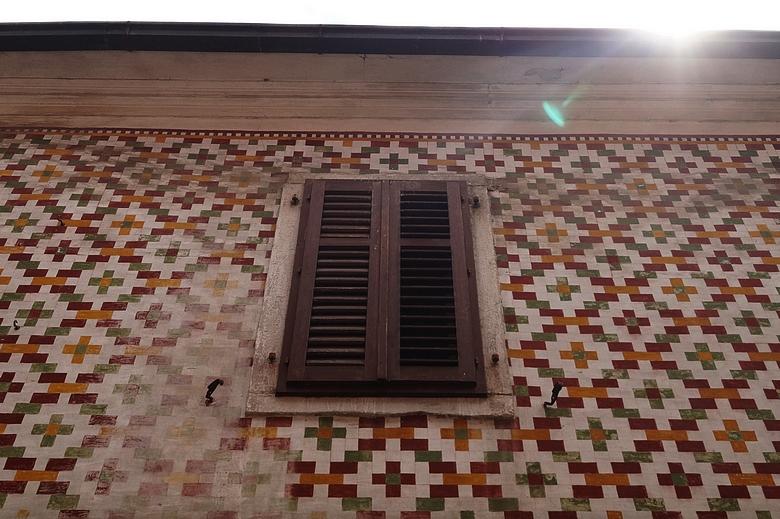 Koper mosaic wall