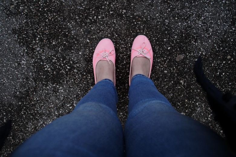 pink shoes 1